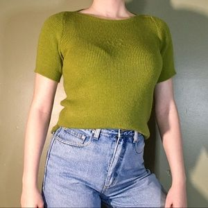 Sweaters - Simple Short-sleeve Bright Green Knit 🧶 Sweater